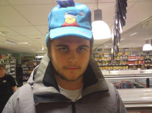 Hatt14. Johan Larsson